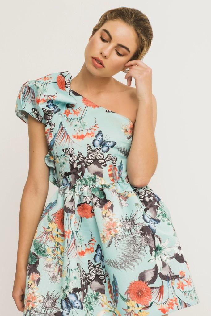 5b890f8c1b ... con un mismo estampado decidas que forma y patrón quieres para tu look. Falda  larga o corta