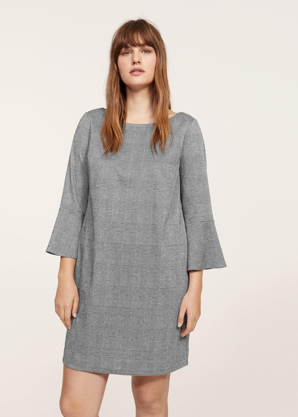b1a85c93c801 Si se me permite un inciso me gustaría comentar que los #vestidos de  #Violeta, en su mayoría tienen un patrón favorecedor para las mujeres y  chicas que usan ...